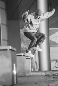 http://www.skateboarding.pl/photo/month/5.jpg